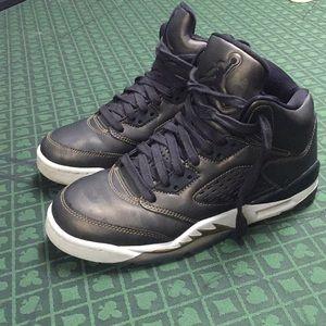 Jordan 5 Retro Heiress Camo size 6y
